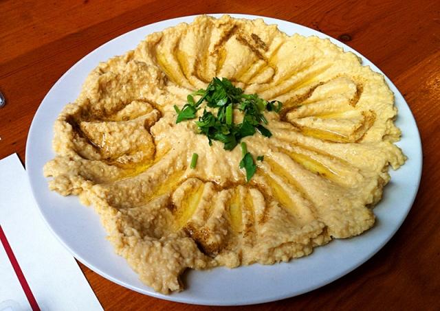 Какие сувениры привезти из Израиля: хумус