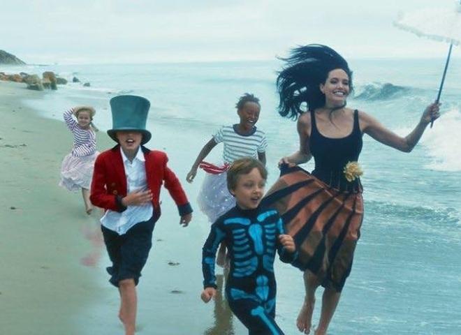 Анджелина Джоли и Бред Питт снялись в новой фотосессии