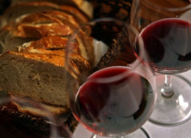Ученые доказали, что вино продлевает жизнь