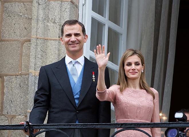 Королева Іспанії Летиція в сукні від Zara