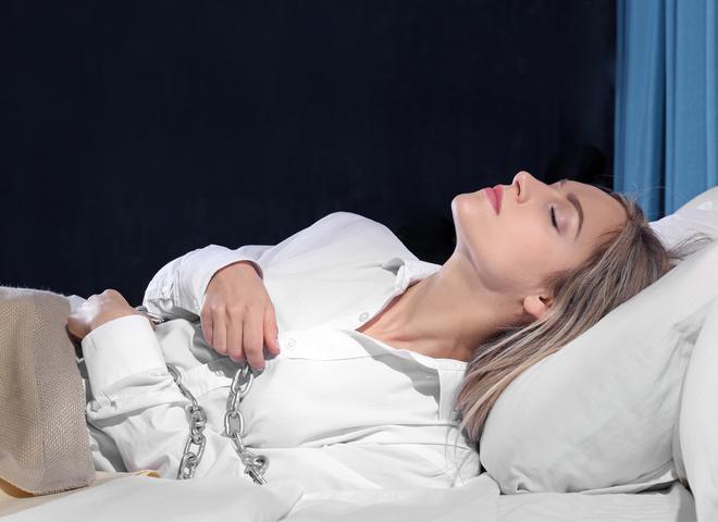 Сонный паралич: что это, симптомы и лечение