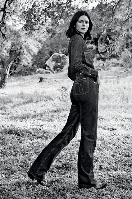 Calvin Klein Кардашьян