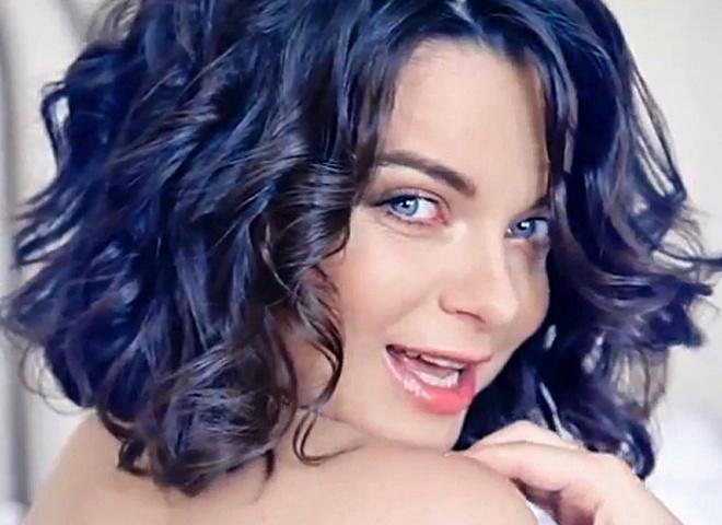 Наташа Королева снялась в лесбийском клипе