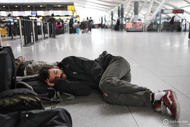 Найстрашніші гріхи авіакомпаній: в аеропорту 5 днів - турецька авіакомпанія Pegasus