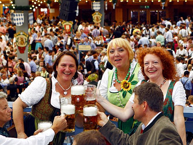 Ковбаски та пиво в німеччині