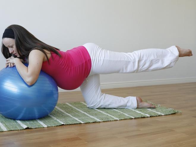 Курсы инструкторов гимнастики с мячом для беременных