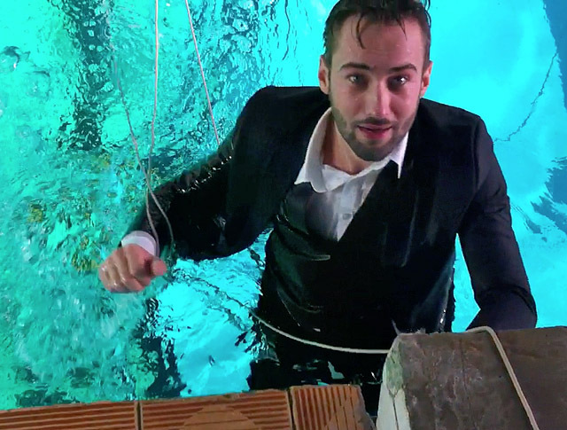 Ведучі Інтера в підводному фотосесії