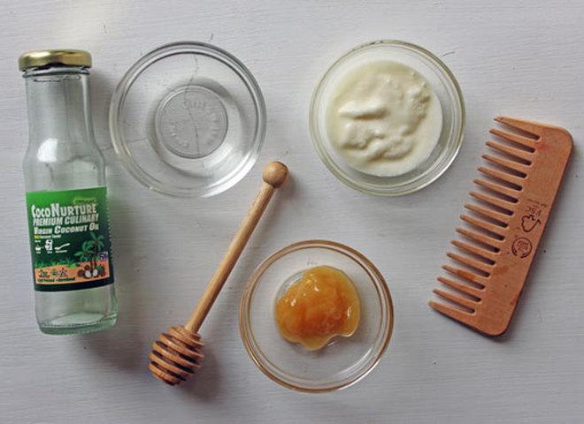 """Домашня """"швидка"""" маска для відновлення волосся"""