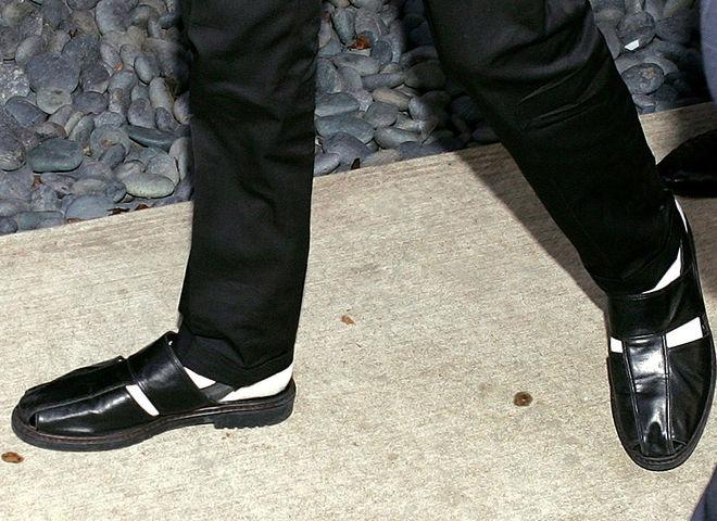 Мужская обувь с носками
