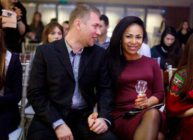 Гайтана впервые появилась на публике с мужем
