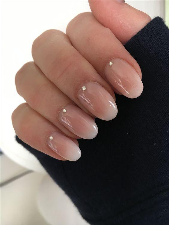 Оголені нігті — тренд манікюру