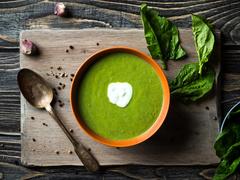 Суп зі шпинату з вершками