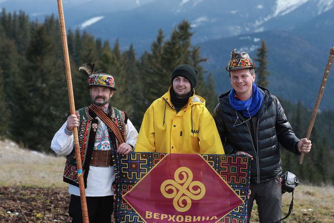 Дмитрий Комаров с гидами