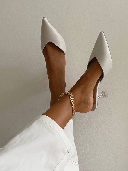 Модная обувь на свадьбу летом