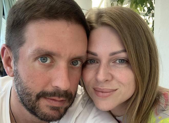 Яна Глущенко з чоловіком