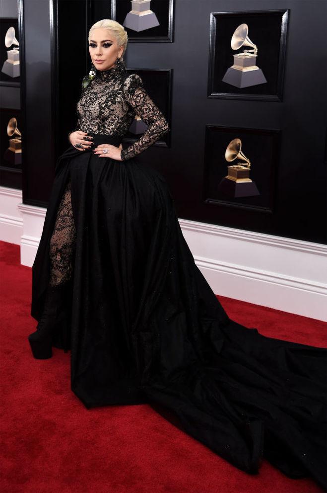 Леди Гага обручальное кольцо