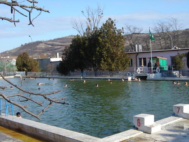 Новый год 2013 в Карпатах: термальный бассейн в Береговом