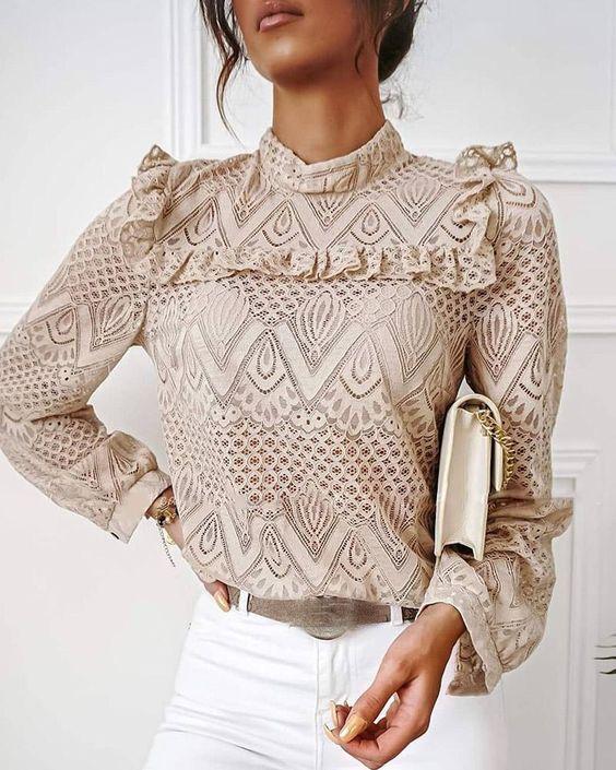 Приталені блузи — антитренд 2021