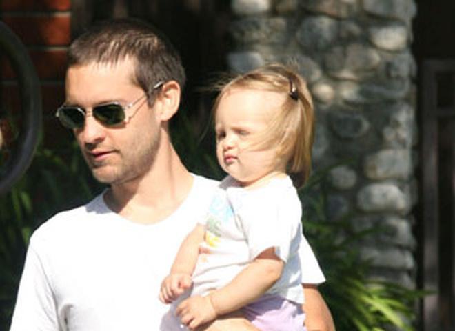 Тоби Магуайр с дочерью