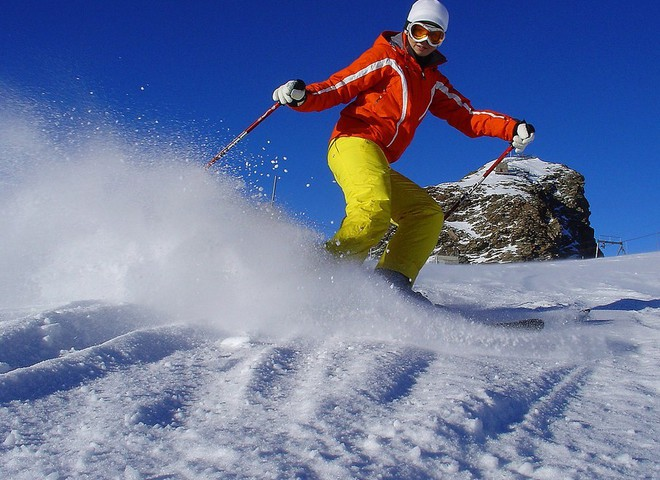 Вставай на лижі: як підготуватися до активного зимового відпочинку і не отримати травму