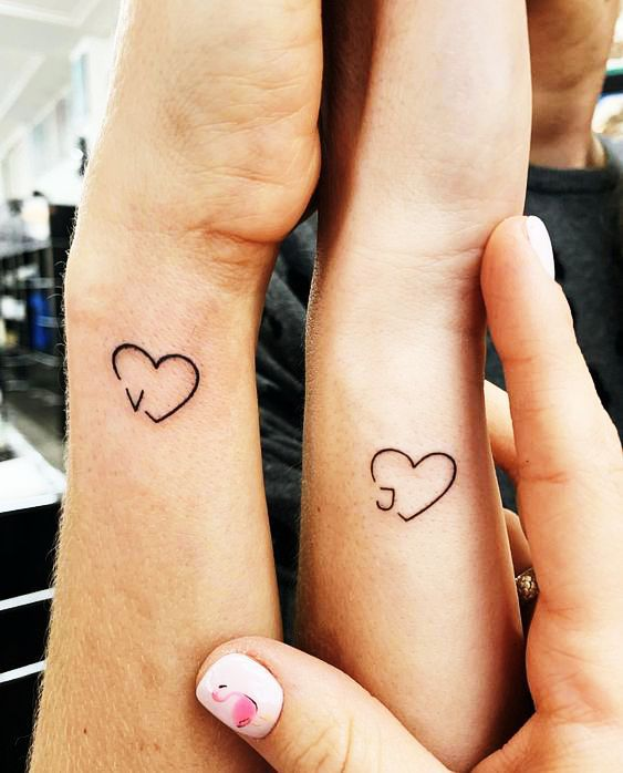 Тату для закоханих: красиві парні татуювання