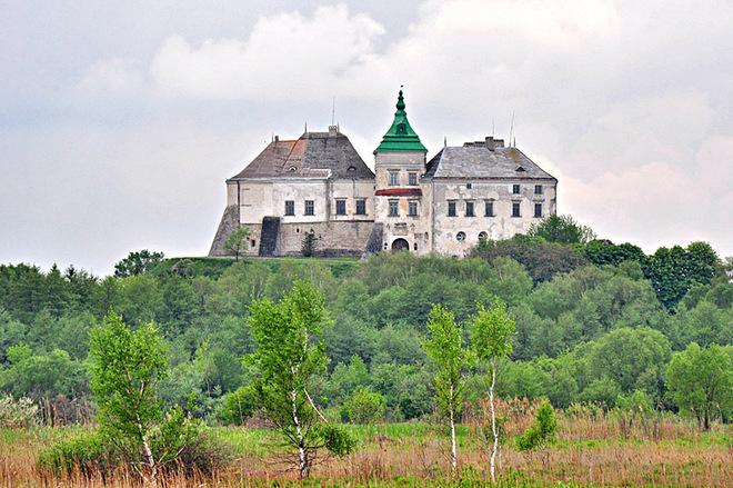 Замки Західної України