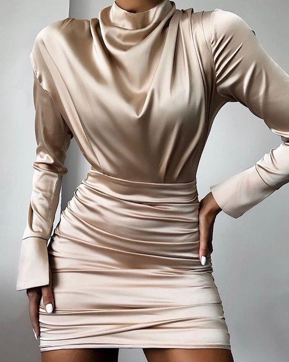 Шовкова міні-сукня на випускний