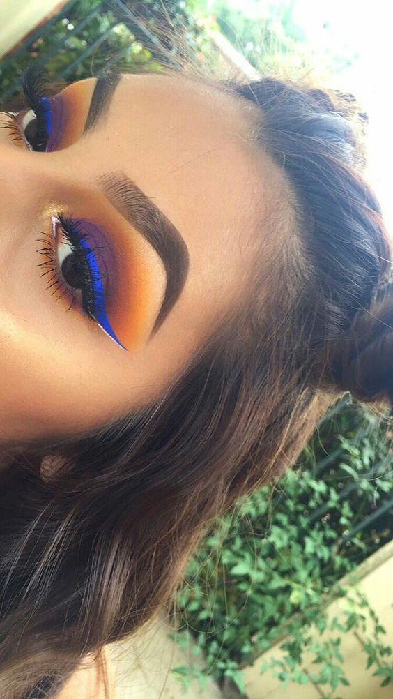 Голубые тени в макияже