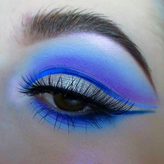 Цвет электрик в макияже