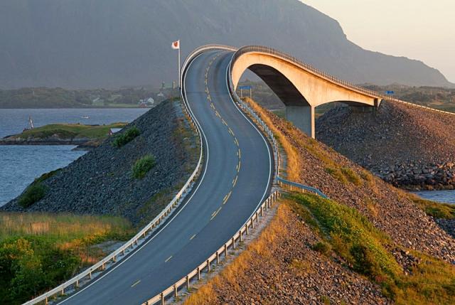 Необычные сооружения нашей планеты: Сторсезандетский мост, Норвегия