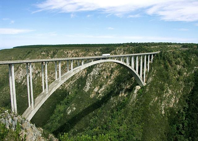 7 самых высоких банджи-прыжков: Мост Bloukrans (Южная Африка)