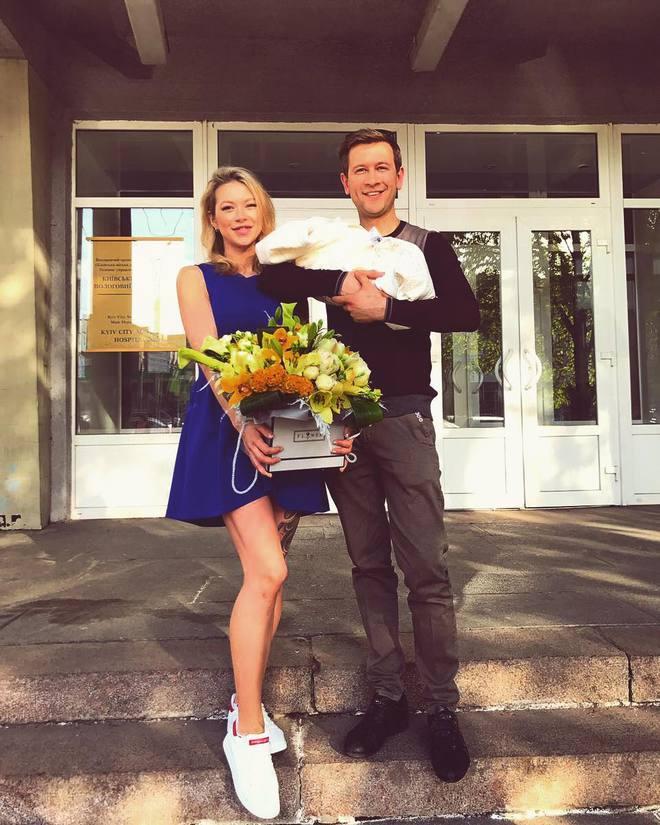 Полина Логунова и Дмитрий Ступка назвали имя новорожденной дочери