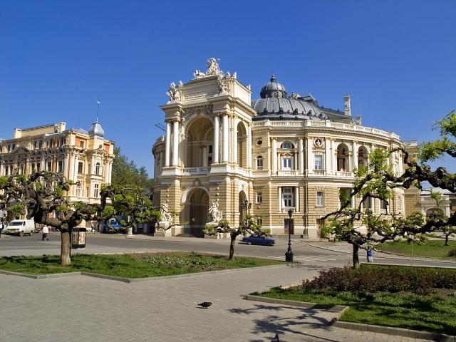 Цікаві місця Одеси: театр Опери та балету