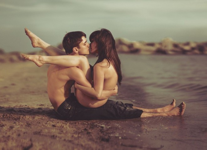 «Любовь нечаянно нагрянет», или Основные правила секса в водоеме