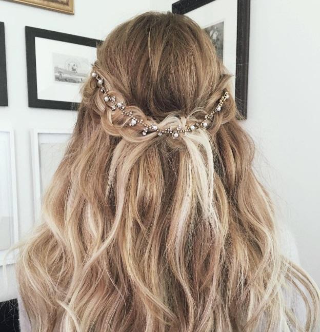 Заколки на волосы