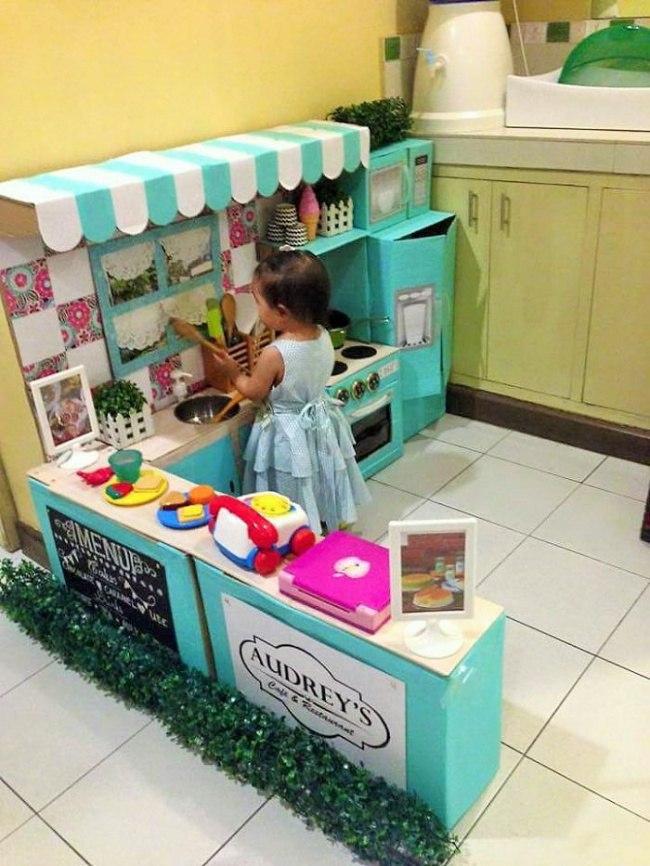 Кухня для детей из коробок фото