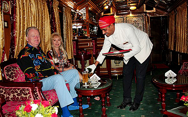 Найцікавіши тріпи на поїздах: «Палац на колесах» - подорож по Індії