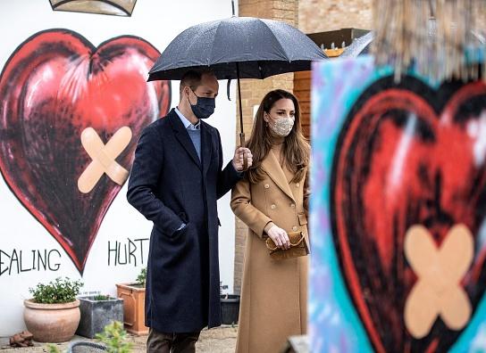 Герцогиня Кембриджская и принц Уильям в центре скорой помощи