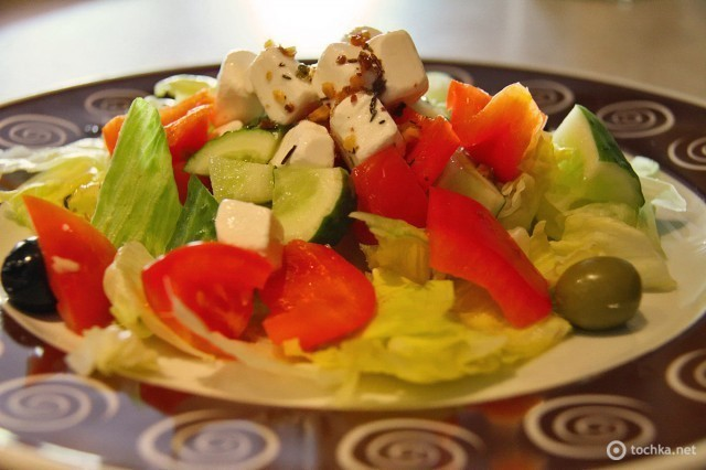 Можно ли греческий салат с подсолнечным маслом