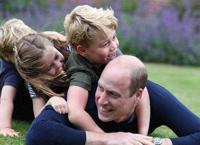 Принц Вільям з дітьми
