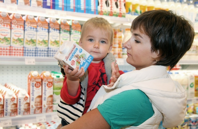 Ринок чи супермаркет: куди піти за молоком для дитини?