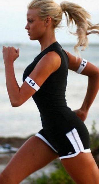 Чёткие картинки девушек которые занимаются спортом