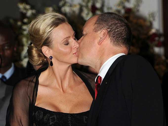 принц Монако Альберт и его супруга принцесса Шарлин