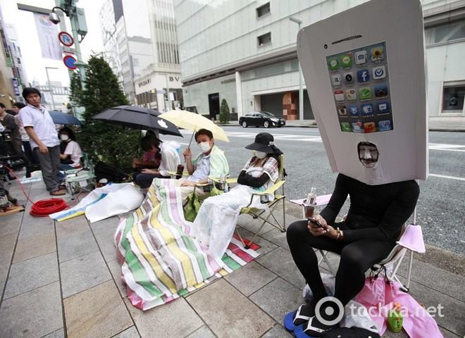 iPhone 5 поступил в продажу