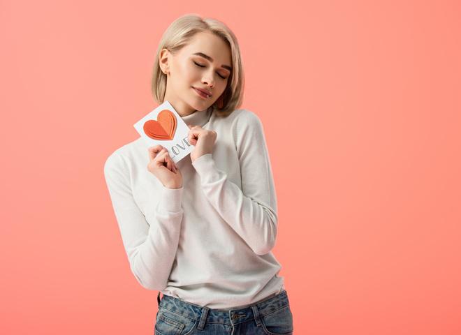 5 ознак, за якими все визначають, що ти закохана