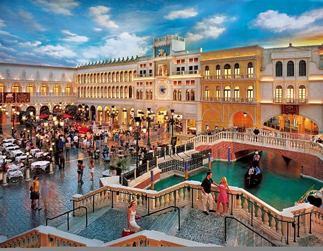 5 удивительных шопинг-центров мира: The Grand Canal Shoppes, Лас-Вегас, США