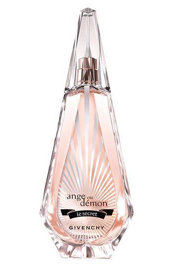 парфум на 8 березня