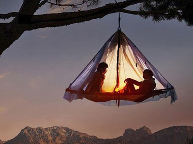 Секс в палатке видио при всех людях фото 189-804