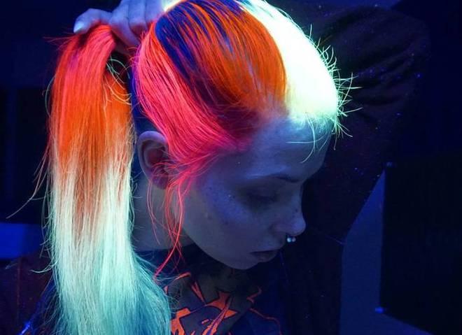 Волосся, яке світеться в темряві