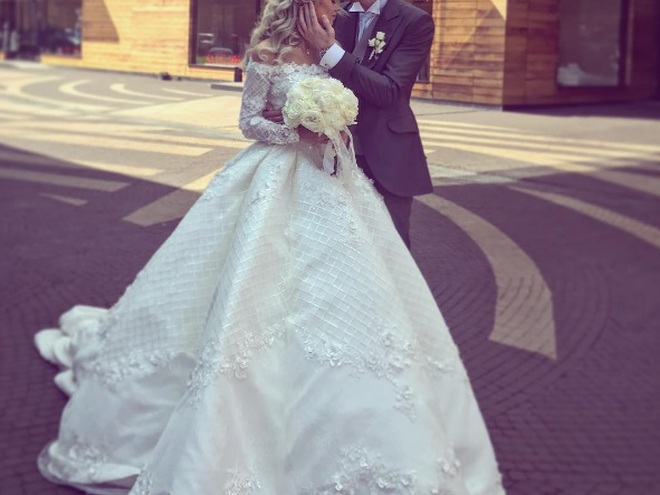 Олена Краснова весільну сукню